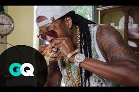 Babeeeeeeeeee, 2Chainz and this $295.00 Burger No Ma'am!!!!!!